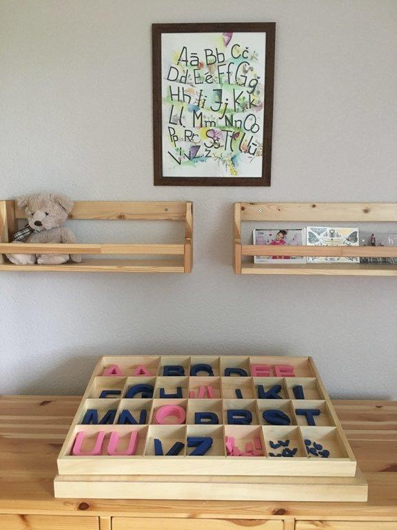Koka alfabēts latviešu valodā - drukātie burti (kaste + burti)