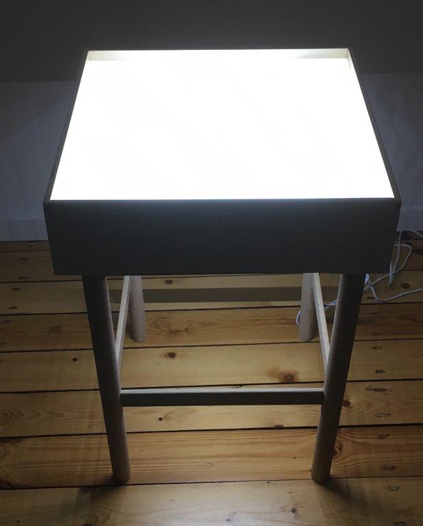 """Mazais gaismas galds """"Kate"""""""